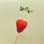 Lifehack #1 – Erdbeeren vom Stiel befreien